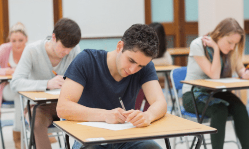 Hypnose et sophrologie dans la préparation aux examens